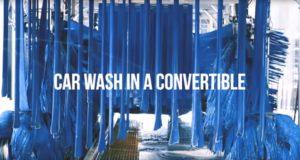 un convertible en el car wash