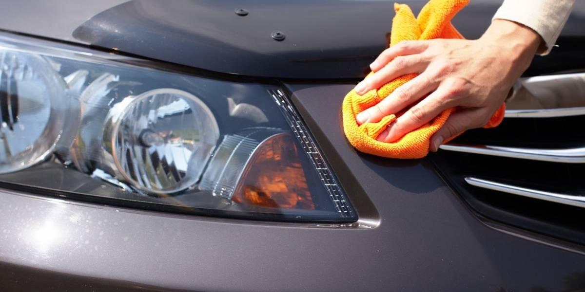 Servicio especializado de lavado en seco de autos