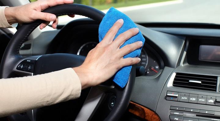 ¿Cómo lavar correctamente la tapicería de un auto?