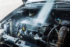 lavado de motor de auto